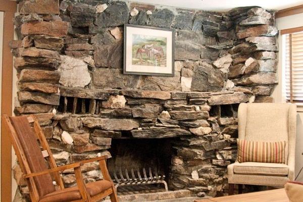 Sierra Sky Ranch Fireplace Room