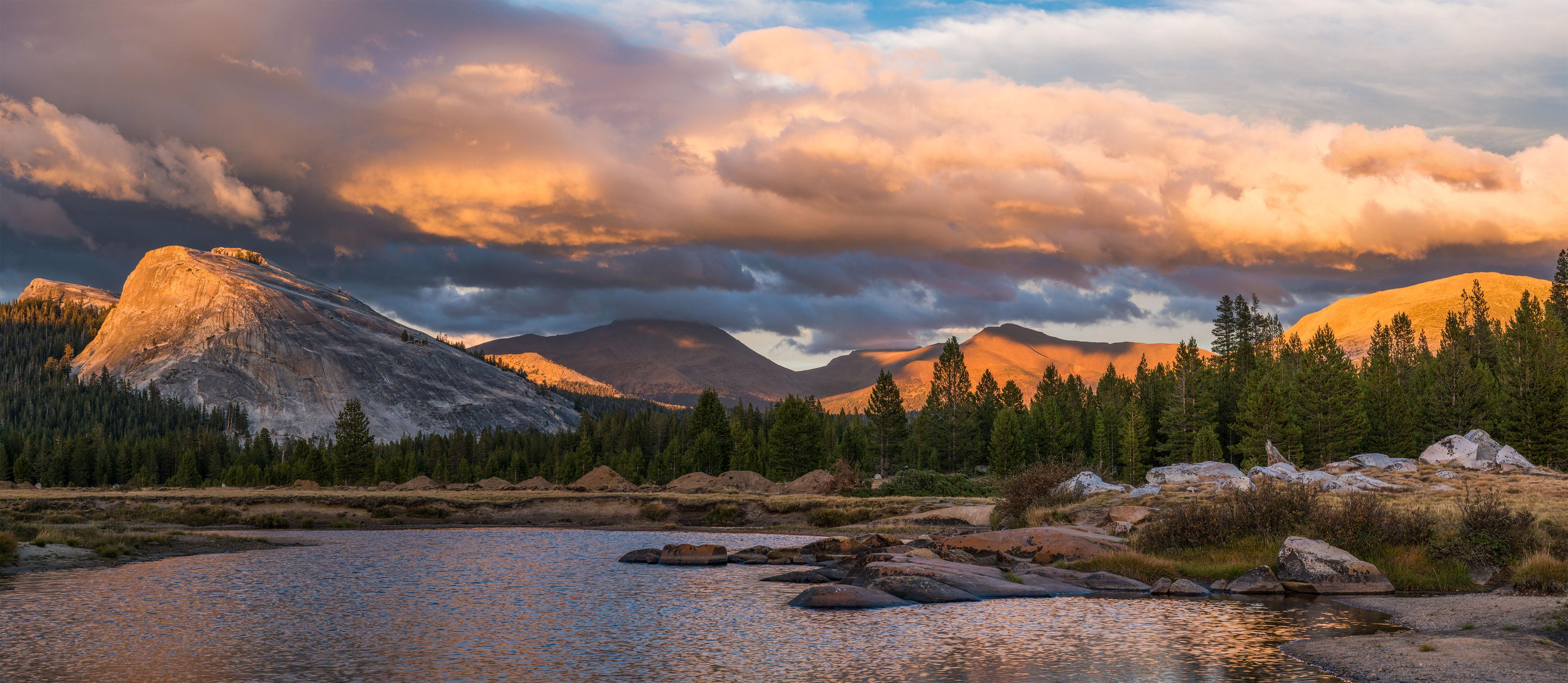 Autumn Sunset in Yosemites Tuolumne Meadows