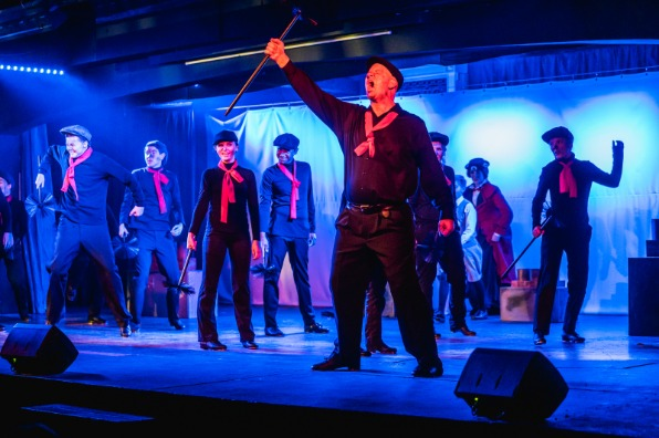 """""""Mary Poppins"""" at the Golden Chain Theatre"""