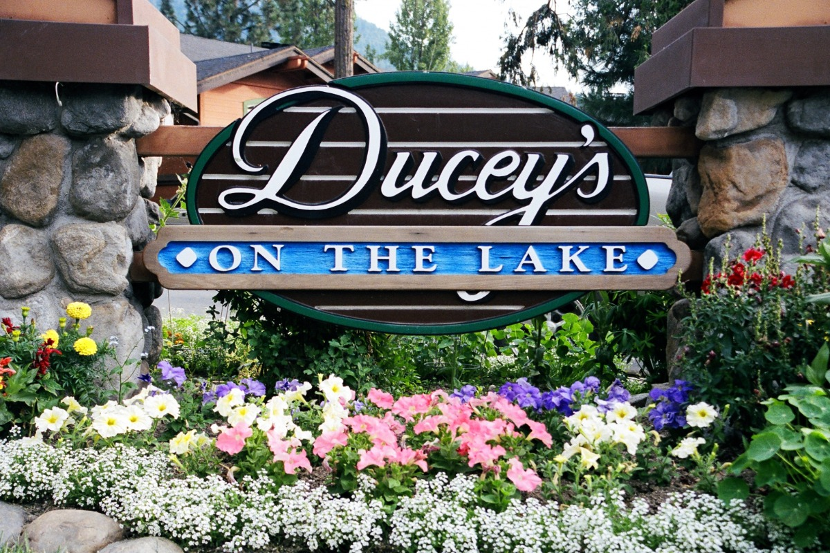 Ducey's On The Lake at The Pines Resort, Bass Lake CA