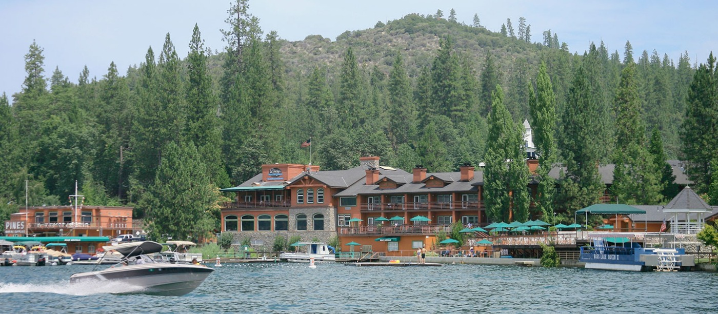 Stay Just Minutes From Yosemite Hotels Lodges Cabins And